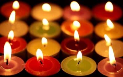 تاثیر رنگ شمع ها بر انرژی انسانها